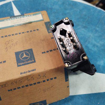 Mercedes VDO Emission Control Relay 0005456532 NOS