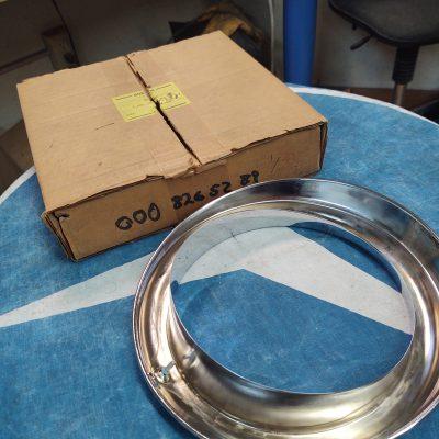 Mercedes 0008265289 Bosch chrome headlight ring 1305504139 NOS W180