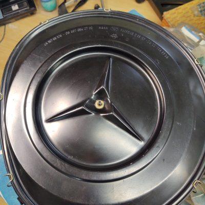 Mercedes Mann Air filter housing 0070942702 R107 450SL NOS