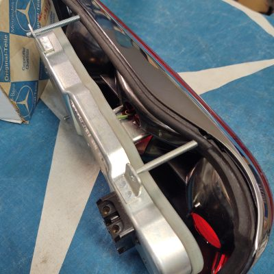 Mercedes W111 Early Taillight Complete Assembly NOS 1118265152 left 220se
