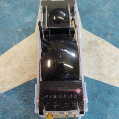 Mercedes Hella Front Dome Light 0008209301 w/ rare map light NOS W123