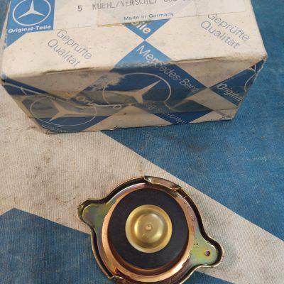 Mercedes Behr Radiator Cap 000501351564 Genuine NOS