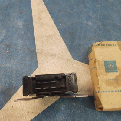 Mercedes Bosch 0335210160 Hazard Flasher Relay 12V NOS