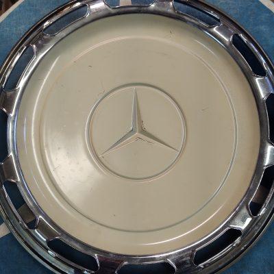Mercedes W100 16 inch Hubcap NOS NLA