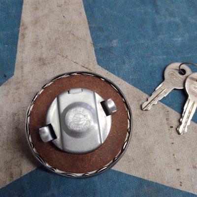 Mercedes Blau Locking Gas Cap and Keys 2.5 inch NOS