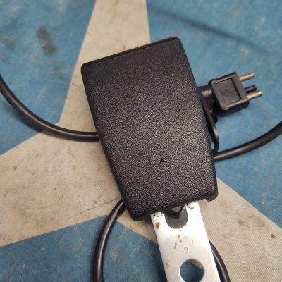 Mercedes W123 Repa Female Seat Belt Acceptor 1238604569 NOS