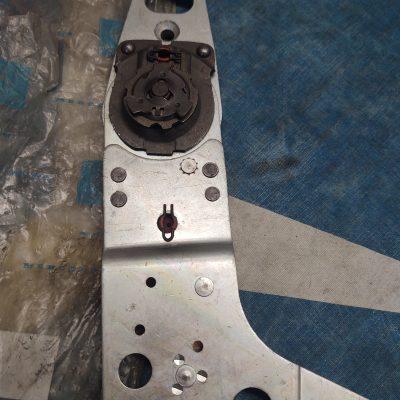 Mercedes R107 Seat Frame Hinge 0009107885, 0009109285 NOS NLA